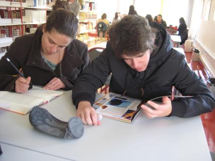 alunos-APANHADOS-A-LER.png